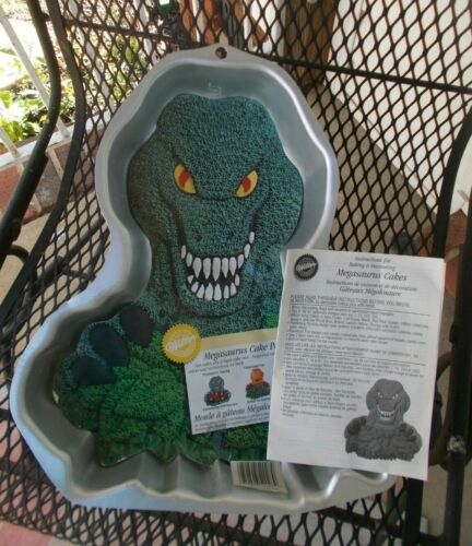 Wilton 1999 Megasaurus Cake Pan 2105-2028 w/ Instructions