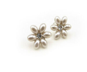 Pretty-silver-tone-pearl-and-crystal-flower-stud-earrings