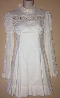 "Vintage 1960's womans mini Wedding dress, white, lace, long sleeve, 26"" waist"
