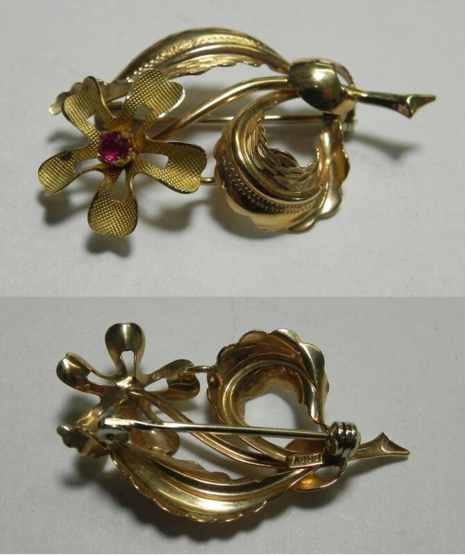 C921 Vintage BREV 14K Solid Yellow Gold Flower Pin w/Red Stone