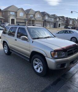 "Nissan Pathfinder 2002 "" Mint"""