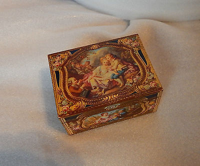 Vintage Kemps biscuits Antique Casket tin modelled on antique snuff box in V&A.1