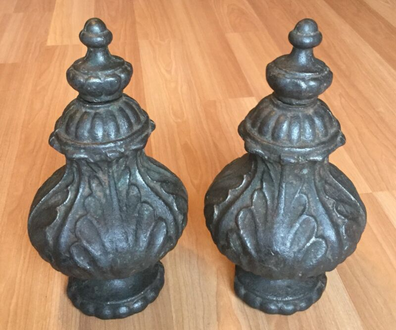 OLD VTG ANTIQUE ARCHITECTURAL SALVAGE CAST IRON FINIAL METAL PAIR SET OF 2 TOPS
