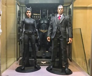 Hot Toys Batman Armory and Selina Kyle Catwoman and
