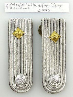 #e3598 1 Paar DDR NVA Schulterstücke Luftverteidigung Unterleutnant Nr. 458 b