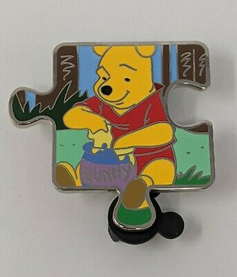 Disney Winnie The Pooh Character Connection LE900 Puzzle Piece Pin