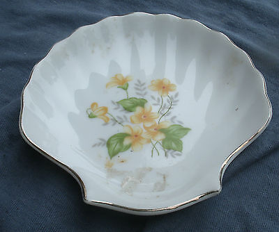 Vintage Scallop Shell Jewelry Dish Yellow Violets 1950s gold leaf Japan (Scallop Shell Dish)