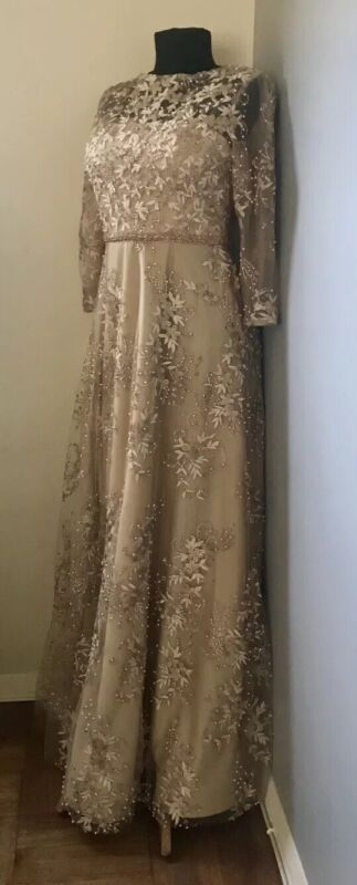 CAMERON BLAKE BEADED EVENING LONG GOWN SIZE 4 (FIT FOR A SIZE 2)