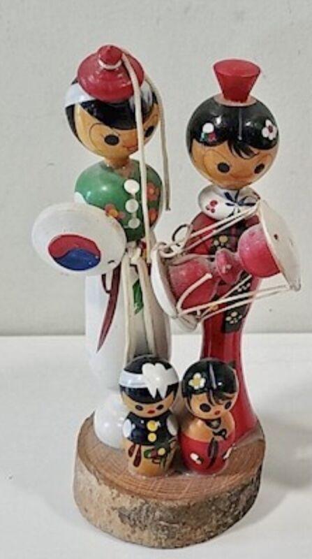 KOKESHI DOLLS-Family On Plank-Celebration Korean Dress-vintage