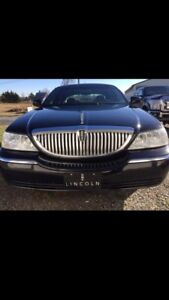 2009 Lincoln Town Car, mint, includes new $800 snow tire/rims