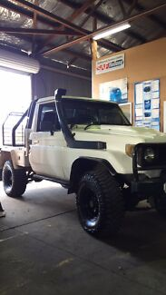 Toyota landcruiser  Oxley Vale Tamworth City Preview