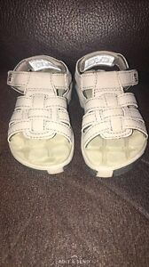 Toddler size 6 Columbia sandals
