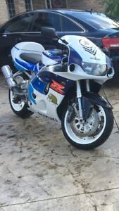 1997 Gsxr 600 with 750 motor