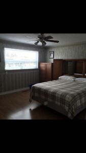 BOWMANVILLE OPG CONTRACT WORKERS ONLY LARGE FURNISHED BEDROOM