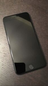 iPhone 7 32GB *Like New With Warranty and Otterbox*