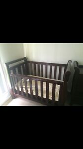 Love n Care Sleigh Cot Set Yamanto Ipswich City Preview