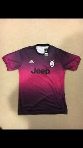 Juventus pink/purple training jersey