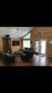 Cabin for Rent, Lac du Bonnet (waterfront deck & dock)