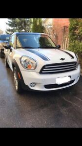 2012 Mini Cooper Countryman, Pano roof, Leather,Heated seats
