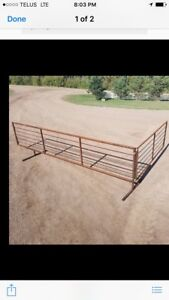 Free standing farm and ranch panels and feeders