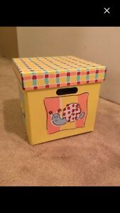 Kids keepsake boxes (2)