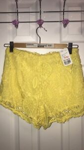 BRAND NEW FOREVER 21 LACE YELLOW SHORTS: TAGS STILL ON