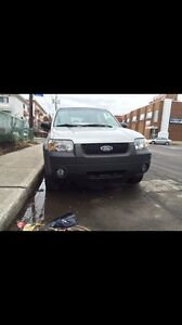 Ford Escape 2005 * 4x4 * 135 000 km*