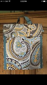 Thirty One Jewelry Bag/Keeper -- new -- Parisian Garden