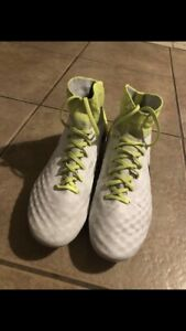 Youth Magista Cleats
