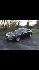 LOW KM MINT CONDITION 2010 ACURA TL WITH TECH PACK