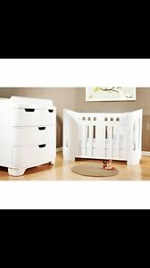 BLOOM WOOD WHITE CRIB AND DRESSER/CHANGE TABLE