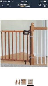 Brand new banister  kit with summer infant delux stair way gate