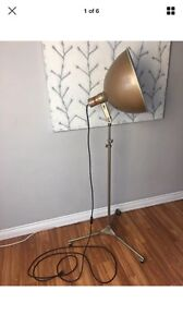 Vintage VICTOR photography dome lamp with stand
