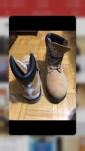 Size 10 Men's Timberland Boots