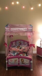 Toddler Frozen Canopy Bed, bedding, canvas'