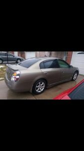 Parting out 2004 Nissan Altima 3.5l v6