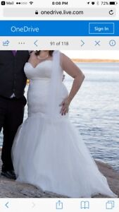 Size 20 Maggie Sotero ivory lace wedding dress