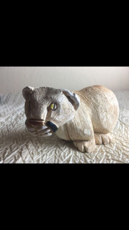 aR animal Figurine: mountain lion