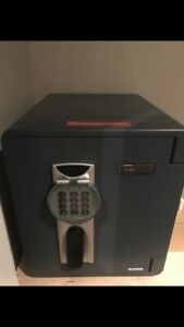 Fire and water proof digital safe