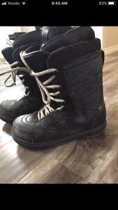 Vans snowboard boots 9.5