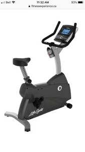Life cycle upright exercise bike