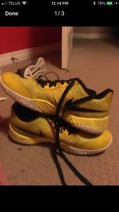 Nike hyperlive yellow basketball shoes size 10