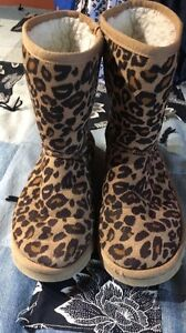 Women's size 4 uggs for inexpensive