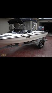 Speed boat 90hp Yamaha outboard Altona Meadows Hobsons Bay Area Preview