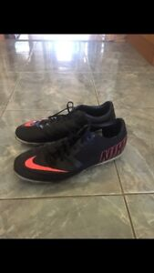 SOULIER NIKE SOCCER SYNTHÉTIQUE NIKE BOMBA