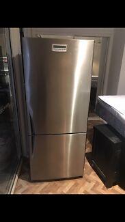Westinghouse virtuoso stainless steel 430L fridge freezer