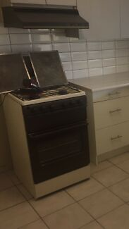 Free/ not working oven, rangehood, chest freezer and hot water system