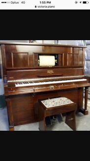 Victor Piano