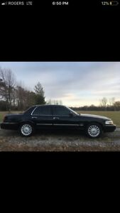 MINT 2010 Mercury Grand Marquis Ultimate CERTIFIED