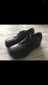 Size 9 Steel Toe Leather Shoes
